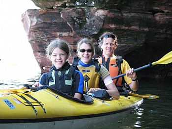 family paddle in the Apostle Islands